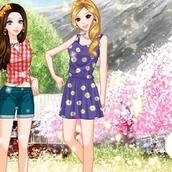Игра Одевалка для двоих для девочек