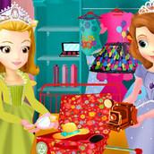 Принцессы София и Эмбер едут на курорт