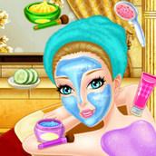 Беременная девушка в салоне красоты