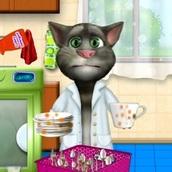 Кот Том: Моет посуду