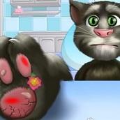 Говорящий кот Том: Лечит Ногу